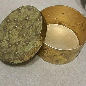 Gold Leaf Medium Circular Box